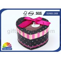 China Promotional Customized Christmas Gift Packaging Boxes / Heart Shape Paper Box with Window on sale
