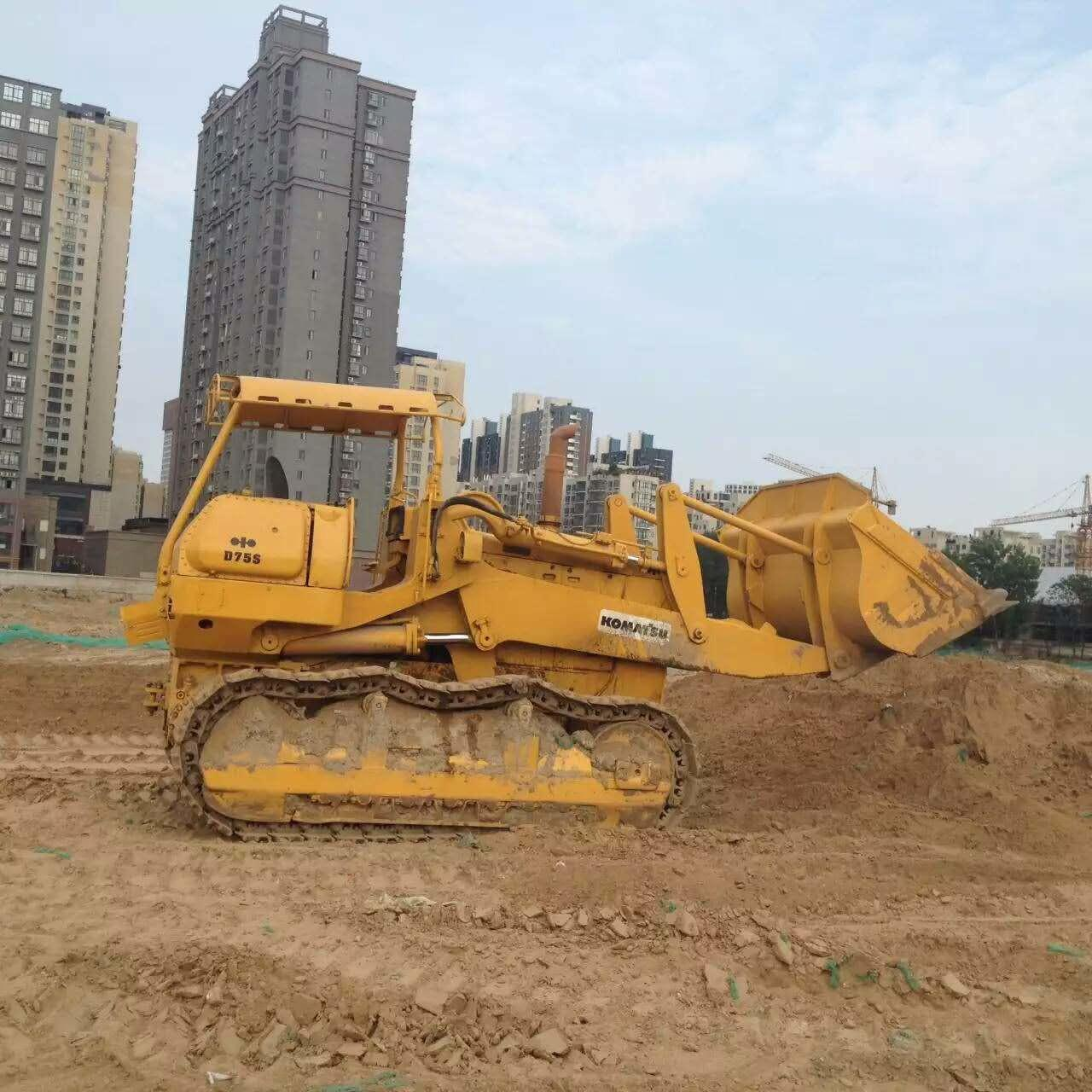 Buy cheap D75S-3 Used KOMATSU Loader , Komatsu Crawler Loader 200HP Cummins Engine from wholesalers