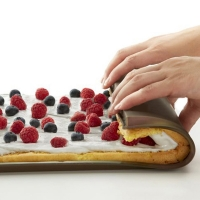 Buy cheap High temperature resistant BPA Free cake baking pan bread roll tray silicone baking mat from wholesalers