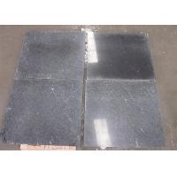 Snow Grey Granite Stone Tiles With White Veins 2.8kg / M³ Density