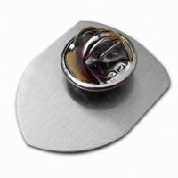 Retractable Magnet Hard Enamel Lapel Pins , Gold / Silver Metal Enamel Pin Badges