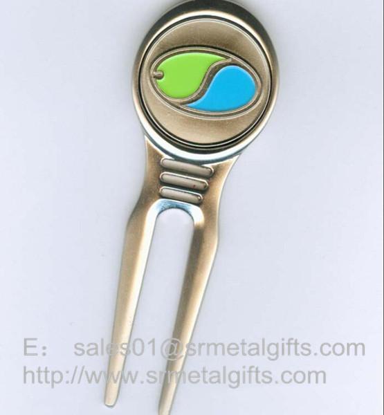 Enamel metal golf pitch fork with color filled ball marker for Pitchfork tool for sale
