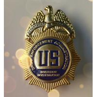 Pearlescent Shape Military Police Badge Soft Enamel Golden Plating OEM Service