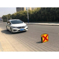 Buy cheap Flashing Warning Effect LED Arrow Board Dynamic Modes from wholesalers