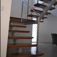 Buy cheap Customized single stringer wood treads floating stairs/straight staircase/glass stairs from wholesalers