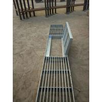 Buy cheap City Road Galvanized Steel Walkway Grating Silver Appearance With Hinge / Round product