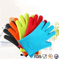 Buy cheap Waterproof Heat resistant silicone oven glove kitchen bbq grilling cooking gloves and silicone oven mitts from wholesalers