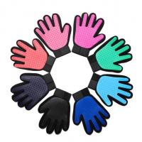 Buy cheap Size 17 * 23cm Pet Glove Brush , True Touch Pet Glove Massage Eco - Friendly from wholesalers
