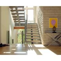 Buy cheap Center stringer U-shape staircase straight staircase with wooden tread product