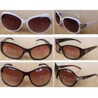 China 100,000pairs italy fashion accessories UV-anti Sunglasses stock cheap eye-wear inventory on sale