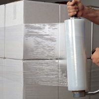 Buy cheap 23 Micron Lldpe Pallet Wrap Stretch Film For Machine Use /hand use product