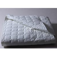 Buy cheap Single Size / Double Size Mattress Pads and Toppers for Hotel / Household / Hospital from wholesalers