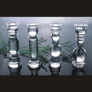 China Crystal Pillar Candle Holder for Wedding Souvenir on sale