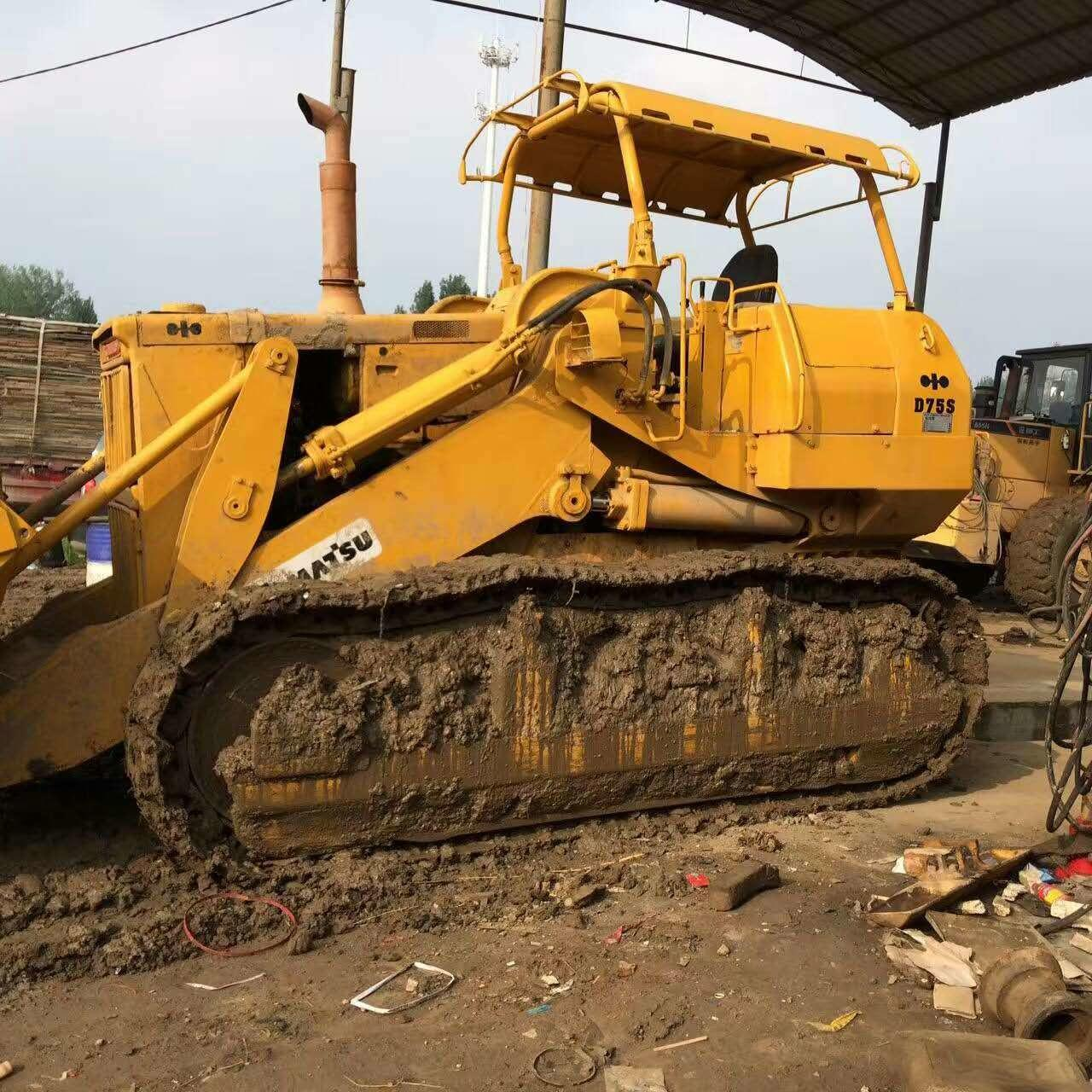 Buy cheap Used KOMATSU D75S Crawler Loader product