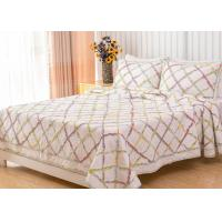 Buy cheap Geometric Full Size Quilt 3pcs Country Style Handmade Patchwork Quilt Bedding Sets from wholesalers