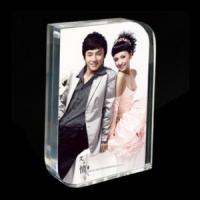 Buy cheap Fashionable Free Standing Acrylic Photo Frames With Magnetic , Transparent product