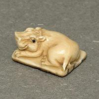 China Antique Japanese Deer Stag Horn Netsuke - Baby Hippo Carving N4931 on sale