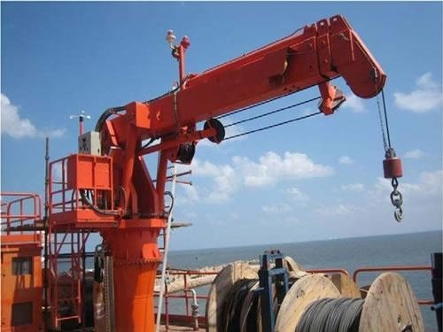 Telescopic cranes suppliers : Telescopic boom crane of marinemooringsystems