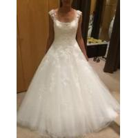 Buy cheap Scoop neck A-line Tulle Wedding Dresses Lace Appliques Floor Length Bridal Gowns from wholesalers