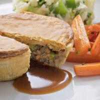Buy cheap Beef Style Meat-Free Beef Style & Horseradish Pie 205g from wholesalers