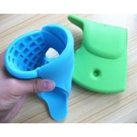 China Newest Elephant Shape Bath Spout Cover Silicone Cover For Your Bathtub Trade For Baby Safety on sale